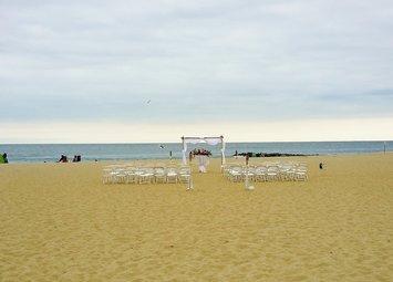 NJ Wedding Officiant Andrea Purtell Wedding on the beach in Asbury Park www.forthisjoyousoccasion.com